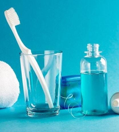 Как правильно ухаживать за зубами выбор гигиенических принадлежностей